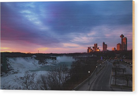 Niagara Falls At Sunrise Wood Print