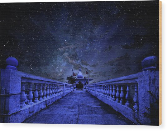 Night Sky Over The Temple Wood Print