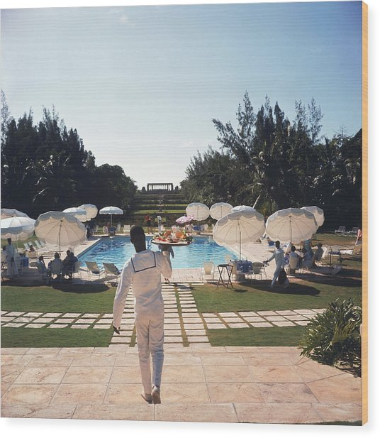 Ocean Club On Paradise Island Wood Print