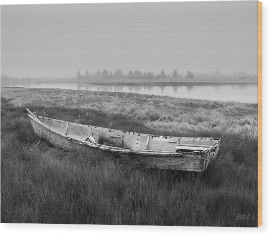 Old Boat In Tidal Marsh Wood Print