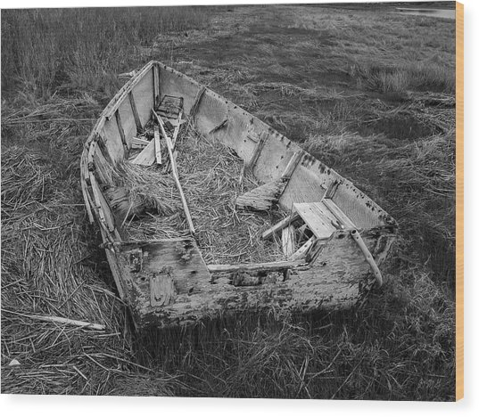 Wood Print featuring the photograph Old Boat In Tidal Marsh II Bw by David Gordon