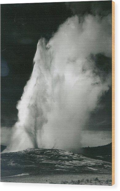 Old Faithful Geyser, Yellowstone Wood Print by Archive Photos