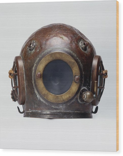 Old-fashioned, Deep Sea Divers Helmet Wood Print by Ray Moller