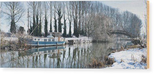 Old House Boat On The River Thames In Winter Wood Print by Tim Gainey