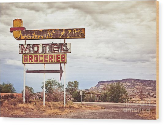 Old Motel Sign On Route 66, Usa Wood Print
