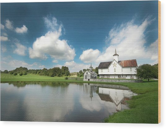 Old Star Barn And Pond Reflection Wood Print