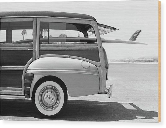 Old Woodie Station Wagon With Surfboard Wood Print