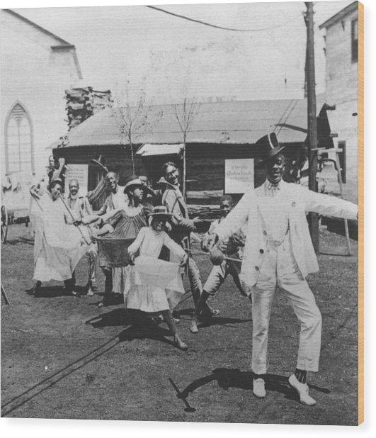 Pan Am Cakewalk Wood Print by Hulton Archive
