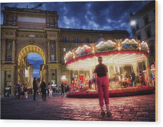 Piazza Della Reppublica At Night In Firenze With Painterly Effects Wood Print