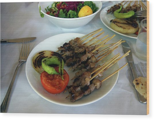 Plate Of Kebabs And Salad For Lunch Wood Print