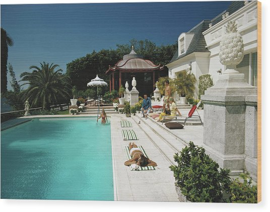 Poolside Chez Holder Wood Print by Slim Aarons