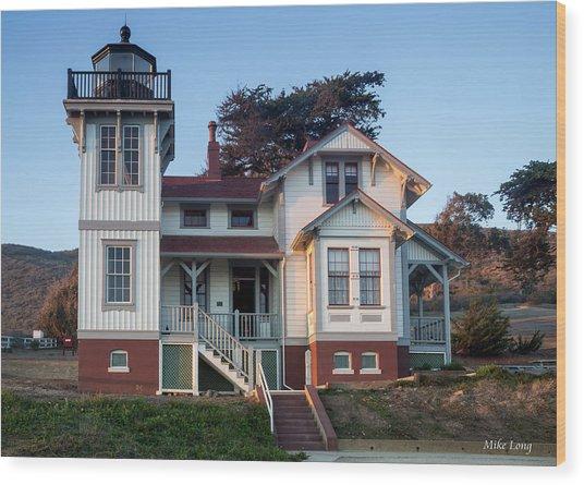 Port San Luis Lighthouse Wood Print
