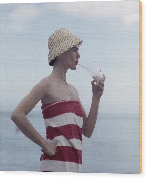 Pussyfooting Wood Print by Slim Aarons