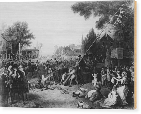 Raising The Liberty Pole In New York Wood Print by Hulton Archive