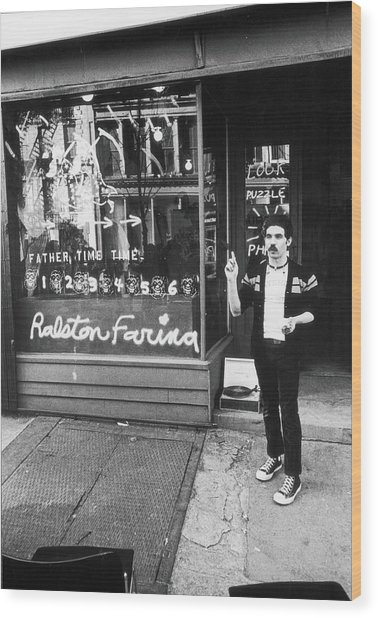 Ralston Farina Performs On West Broadway Wood Print by Fred W. McDarrah