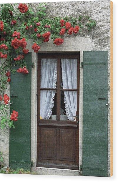 Red Rose Door Wood Print