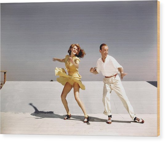 Rita Hayworth And Fred Astaire Wood Print
