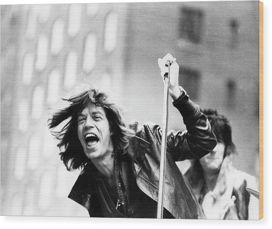Rolling Stones On Fifth Avenue Wood Print