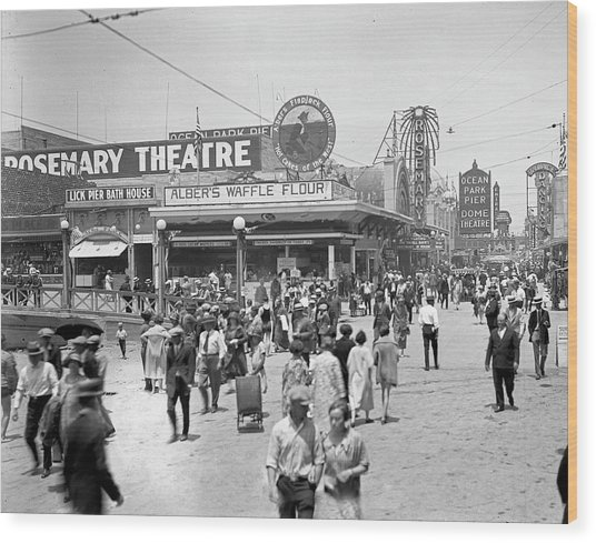 Rosemary Theater Santa Monica Wood Print