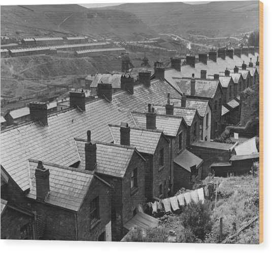 Row Of Rooftops Wood Print by Charles Fenno Jacobs