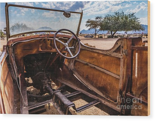 Rusty Car Leftovers Wood Print