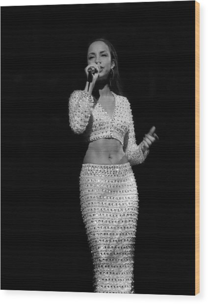 Sade Live In Rosemont, Illinois Wood Print by Raymond Boyd