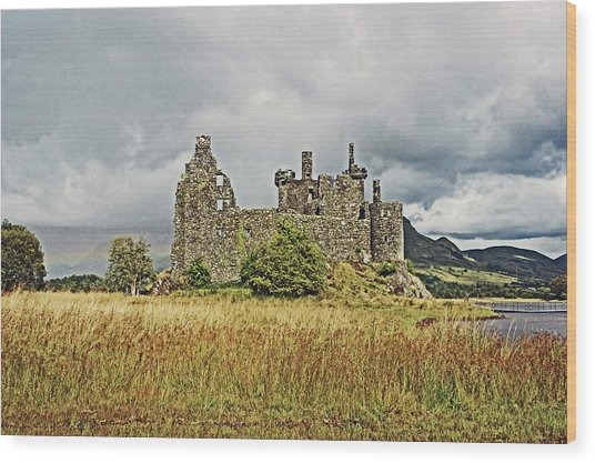 Scotland. Loch Awe. Kilchurn Castle. Wood Print