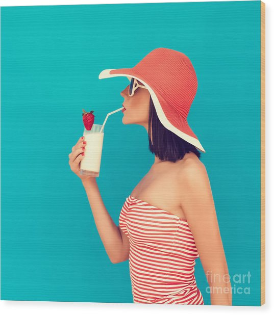 Sensual Girl With A Summer Cocktail Wood Print