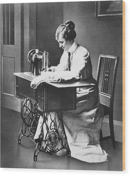 Sewing Machine Wood Print by Hulton Archive