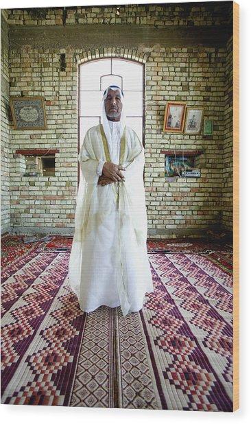 Sheik Fadel Mesrel Al-jumail Portrait Wood Print by Brent Stirton