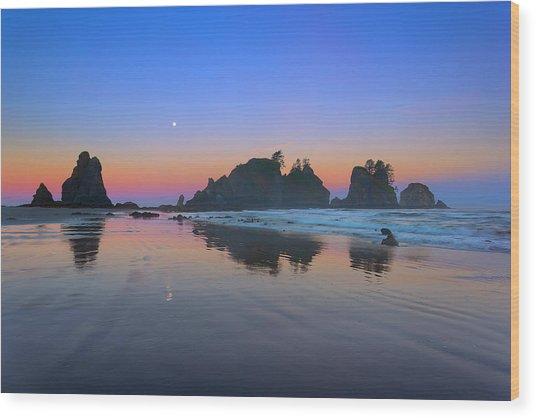 Shi Shi Beach Moonset Wood Print