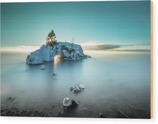 Shoreline Light Show / Lake Superior, Minnesota  Wood Print
