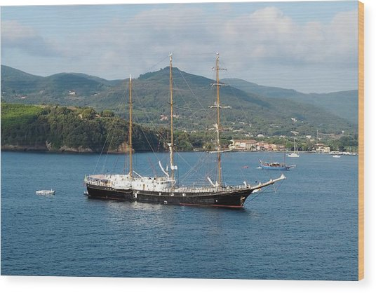 Signora Del Vento, Anchored At Portoferraio, Elba Wood Print