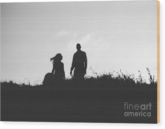 Silhouette Of Couple In Love With Wedding Couple On Top Of A Hil Wood Print