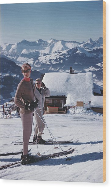 Skiers In Gstaad Wood Print