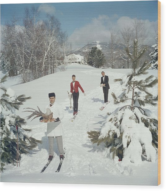 Skiing Waiters Wood Print