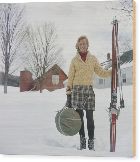 Skiing Waitress Wood Print