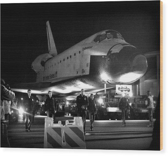Space Shuttle Endeavour Traveling La Wood Print