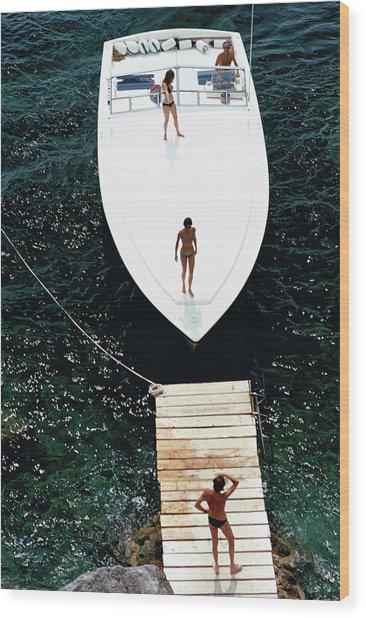 Speedboat Landing Wood Print by Slim Aarons