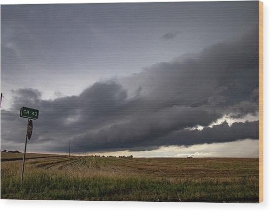 Storm Chasin In Nader Alley 004 Wood Print