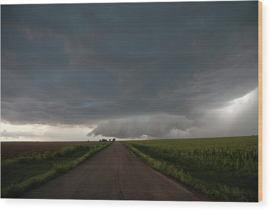 Storm Chasin In Nader Alley 025 Wood Print