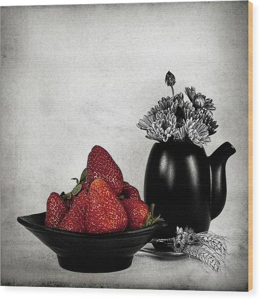Strawberries In Bowl Wood Print