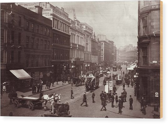 Street In Glasgow Wood Print by Hulton Archive