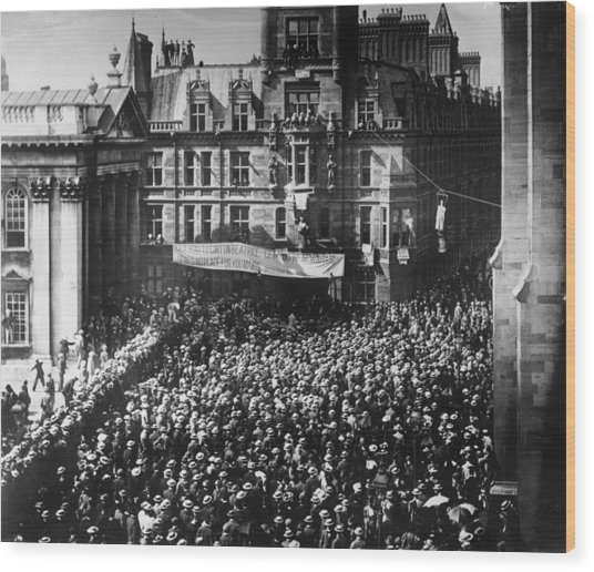 Student Protest Wood Print by Hulton Archive