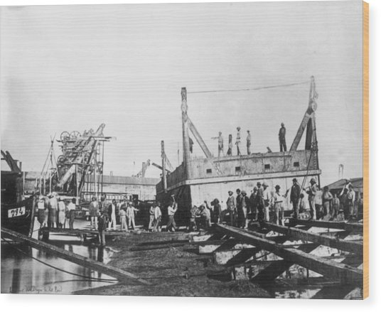 Suez Canal Wood Print by General Photographic Agency