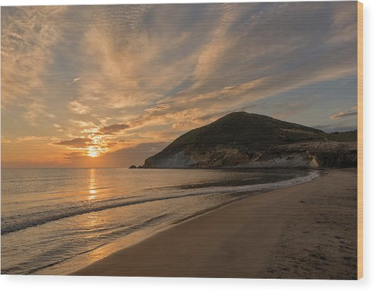Sunrise On The Beach Of The Genoveses Of Cabo De Gata Wood Print