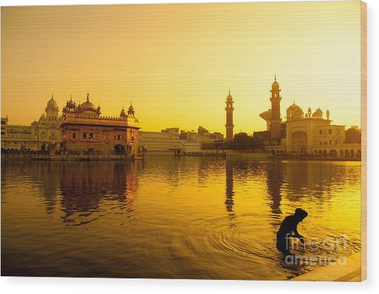 Sunset At Golden Temple In Amritsar Wood Print