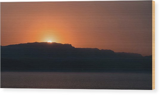 Sunset At Over The Mountains In The Red Sea Wood Print