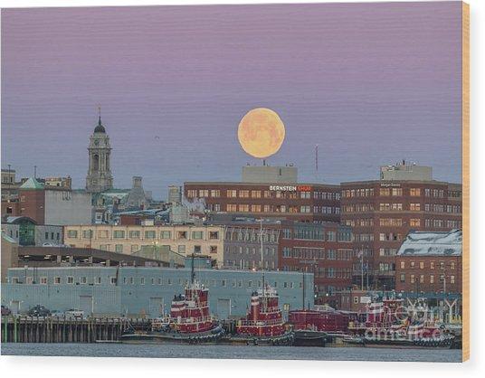 Super Snow Moon Over Portland Wood Print