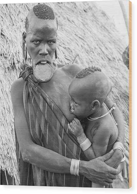 Mursi Mother And Child Wood Print